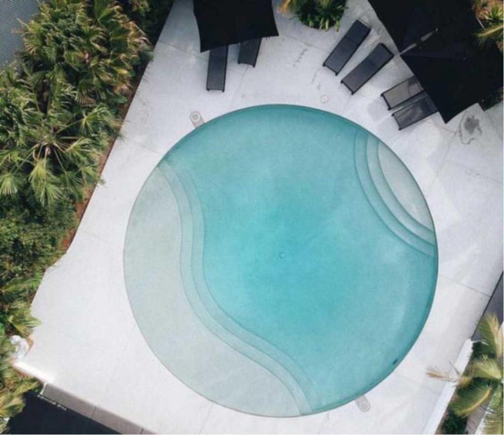 Circular pool