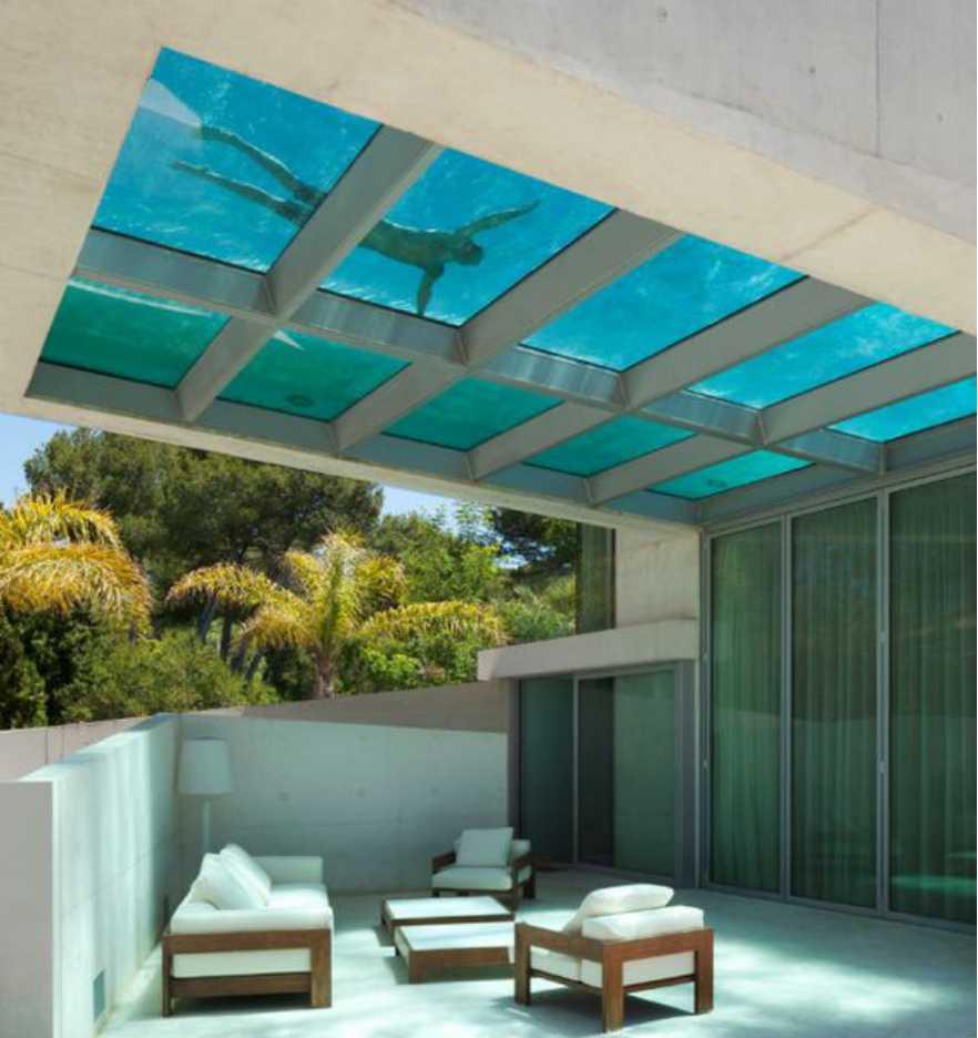 Rooftop Swiming pool Memanjang, Tembus Pandang